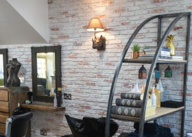 A new type of salon, for a new town