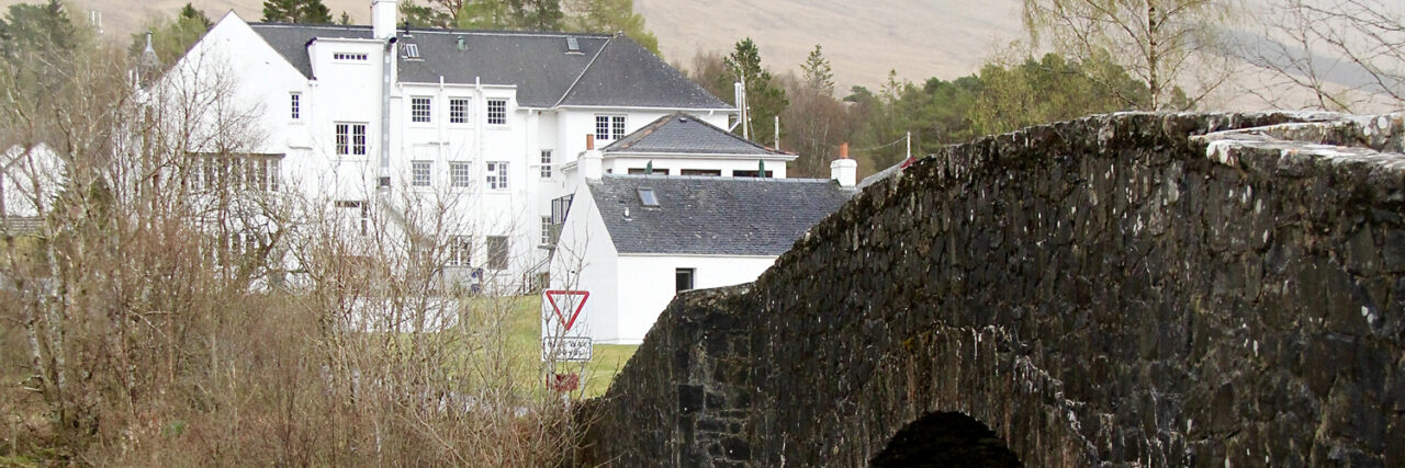 Win a stay & dinner for  two at the fabulous  Bridge of Orchy Hotel